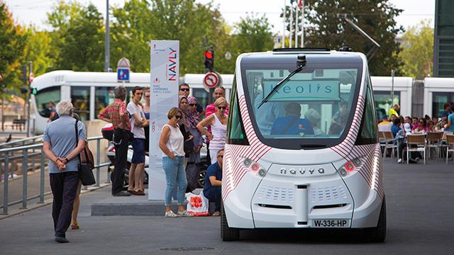 Pourquoi Keolis soutient le débat citoyen international sur la mobilité autonome